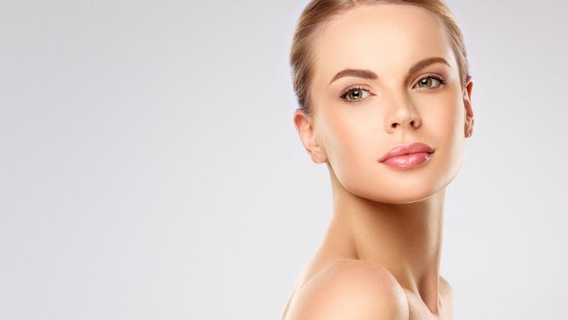 Zentrum für Zahn- & Gesichtsschönheitschirugie • Ad Dento