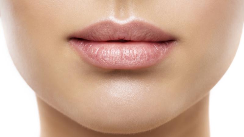 Lippenaufbau und - Korrektur Meerbusch Ad dento